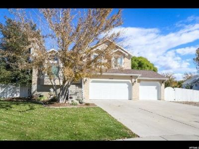 Spacious space and stunning home in Riverton!