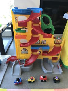 Little people cars and ramp