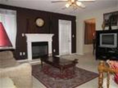 LOVELY INTOWN ATLANTA VACATION RENTAL---10 MINS. TO DOWNTOWN - House