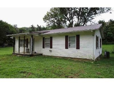 3 Bed 1 Bath Foreclosure Property in Greeneville, TN 37743 - Hartman Ln
