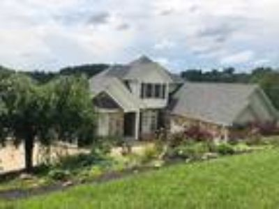 Four BR/4.One BA Single Family Home (Detached) in Morgantown, WV