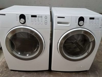 2017 Samsung front load washer and dryer set
