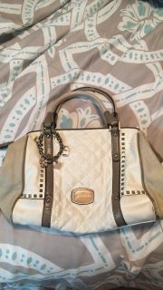 Medium White Leather Guess Purse 6d7655ad0947d