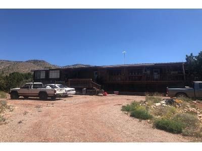 3 Bed 2 Bath Preforeclosure Property in La Luz, NM 88337 - Amelia Ln