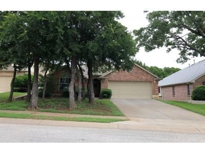 4 Bed 2 Bath Preforeclosure Property in Grapevine, TX 76051 - Cable Creek Rd