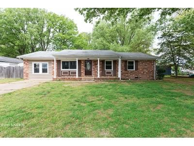4 Bed 3 Bath Foreclosure Property in Colonial Beach, VA 22443 - 2nd St