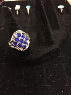 Sterling silver 925 ring with sapphire colored stones size 9