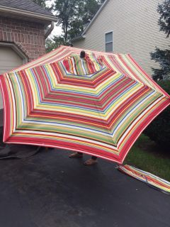 Brand new 9 foot wooden pole umbrella with carry case