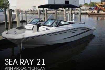 2017 Sea Ray 210 SPX