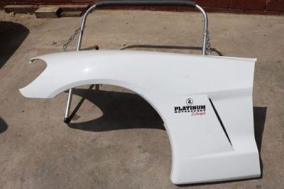 Purchase GENUINE GM CHEVROLET CORVETTE BASE DRIVER LEFT LH FENDER 2005-2013 motorcycle in Sun Valley, California, United States, for US $350.00