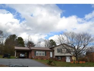 3 Bed 2.5 Bath Foreclosure Property in Hudson, NC 28638 - Hawthorne St