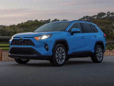 2019 Toyota RAV4 XLE (Magnetic Gray Metallic)