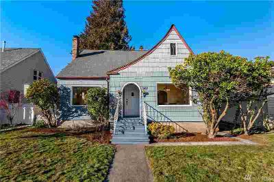 3107 N 12th St Tacoma Four BR, LOCATION! Walk 3 blocks to all