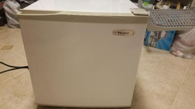 Haier 2.5 cubic ft Refrigerator
