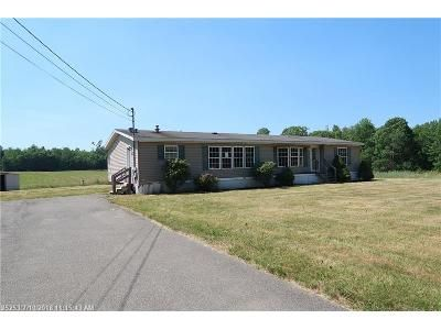 3 Bed 2 Bath Foreclosure Property in Albion, ME 04910 - Clark Rd