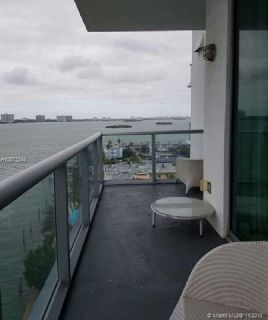Miami Beach: 1/2 Fully furnished apartment (East Dr., 33141)