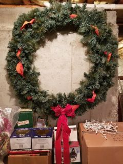 "*EXTRA LARGE* 5 FOOT (48"") PRE-LIT CHRISTMAS WREATH"