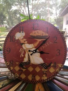 Kitchen or dining room clock. Works well.