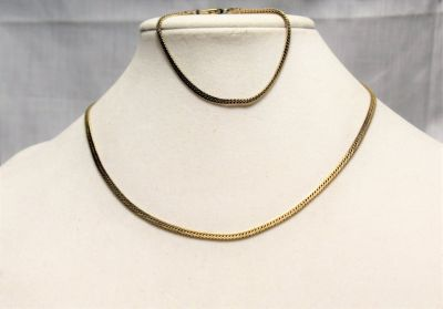 Vintage American Showcase Gold Tone Herringbone Necklace Bracelet Jewelry Set