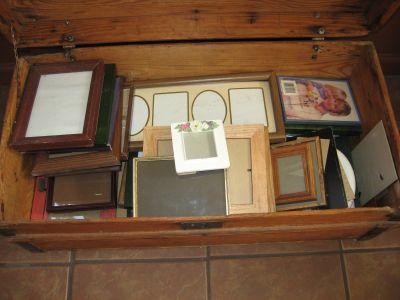 Picture Frames - Trunk full