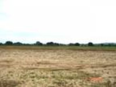 76 acres with a pivot