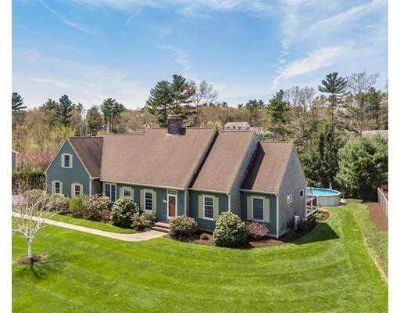 15 Waterfall Rd ACUSHNET Three BR, Gorgeous Custom Cape home in