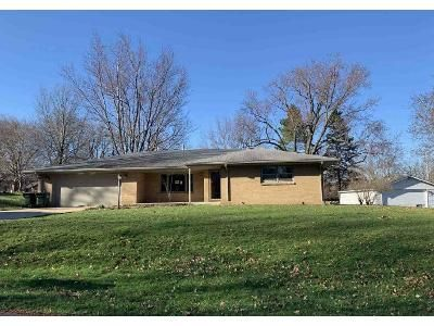 3 Bed 1.5 Bath Foreclosure Property in Rockford, IL 61109 - Golden Prairie Ave