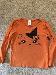 Gymboree size 5. Halloween cat shirt with black sparkly hat!!