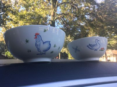 2 Precious Porcelain Country Bowls Chinese Style Shape by Porcelaine di Chine C. Steele Collection