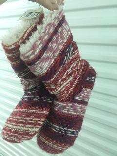New women's sweater slippers size med, giftable