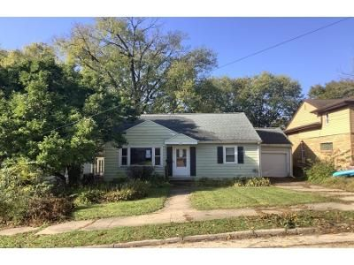 3 Bed 1 Bath Foreclosure Property in Dixon, IL 61021 - Crawford Ave