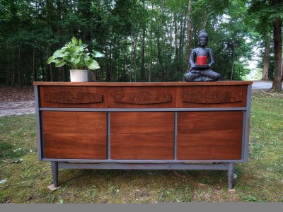 """""""Ward Furniture"""" MCM Dresser and Chest of Drawers"""