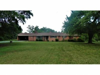 1935 Mount Hope Chu Rd McLeansville, -Beautiful 3 bd