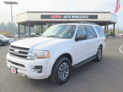 2017 Ford Expedition XLT 4x4 SUV Third Row Seating (White)