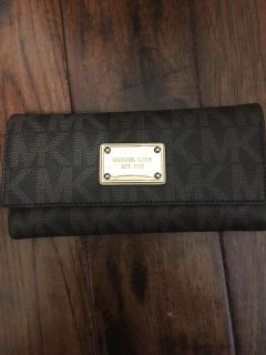 EUC Michael Kors wallet with attached Checkbook cover