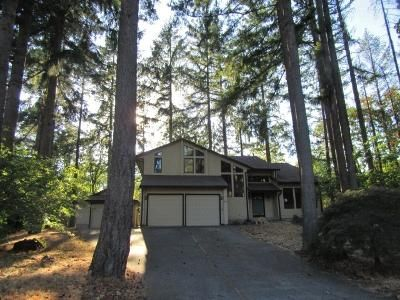5 Bed 2.5 Bath Foreclosure Property in Saint Helens, OR 97051 - Madrona Ct