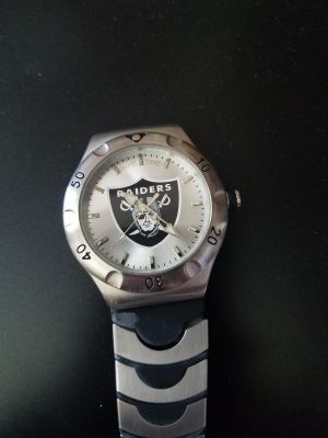 Raiders quartz watch