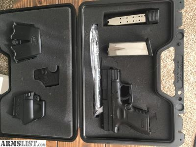 For Sale: Springfield XD .40 3 subcompact