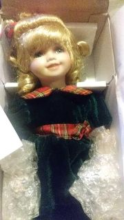 """The Heratage Signature Collection """"Rachael"""" porcelean doll. nib"""