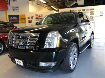 2010 Cadillac Escalade Luxury (BK)