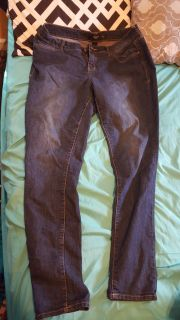 Torrid jeans size 16 I'm great condition.