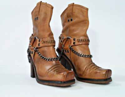 Ladies Boots Donald J Pliner Size 6.5 M Excellent Condition