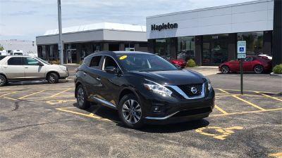 2015 Nissan Murano SV (Magnetic Black Metallic)