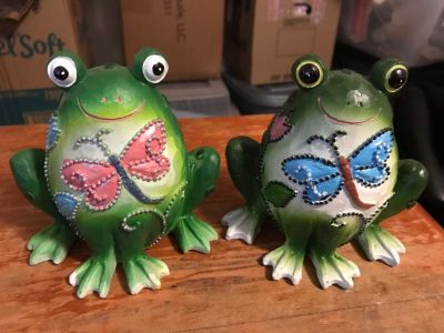 2 Wooden Frog Figurines.
