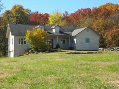 3 Bed 2 Bath Foreclosure Property in Gravette, AR 72736 - Hidden Acres Rd
