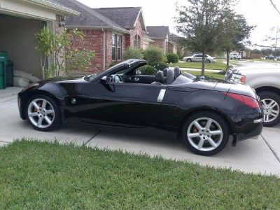 2005 Convertible Nissan 350Z  Like new 22K miles