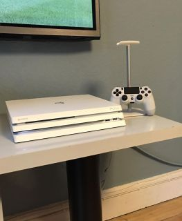 WHITE Playstation 4 PRO 1TB Limited Edition