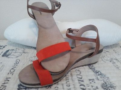 Wedge sandals size 10