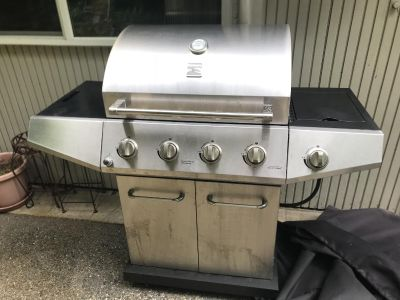 Grill with Side burner - stainless still - includes propane tank (empty)