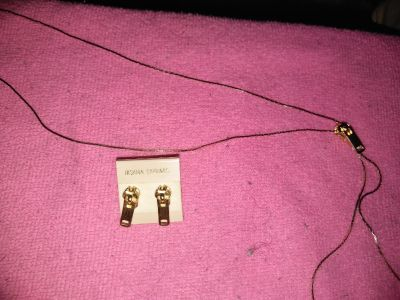 Zipper necklace with earrings